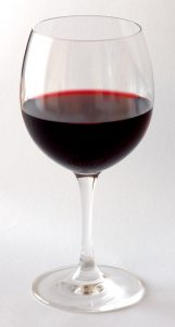 glass of red vine